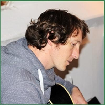 Cover art for 10songs Episode #17 - Writing a Christmas song with Ronan Turner