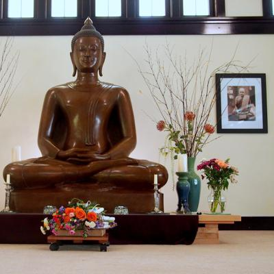 Sharing dhamma talks and guided meditations from the Theravada Thai Forest Tradition, Ajahn Chah and Luang Por Pasanno lineage, and others.