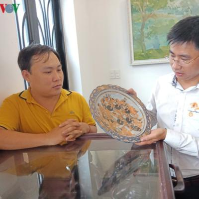 Private house exhibits worshipping rice and salt jars of Central Highlands
